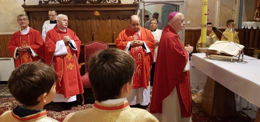 Uroczystość przyjęcia sakramentu bierzmowania.