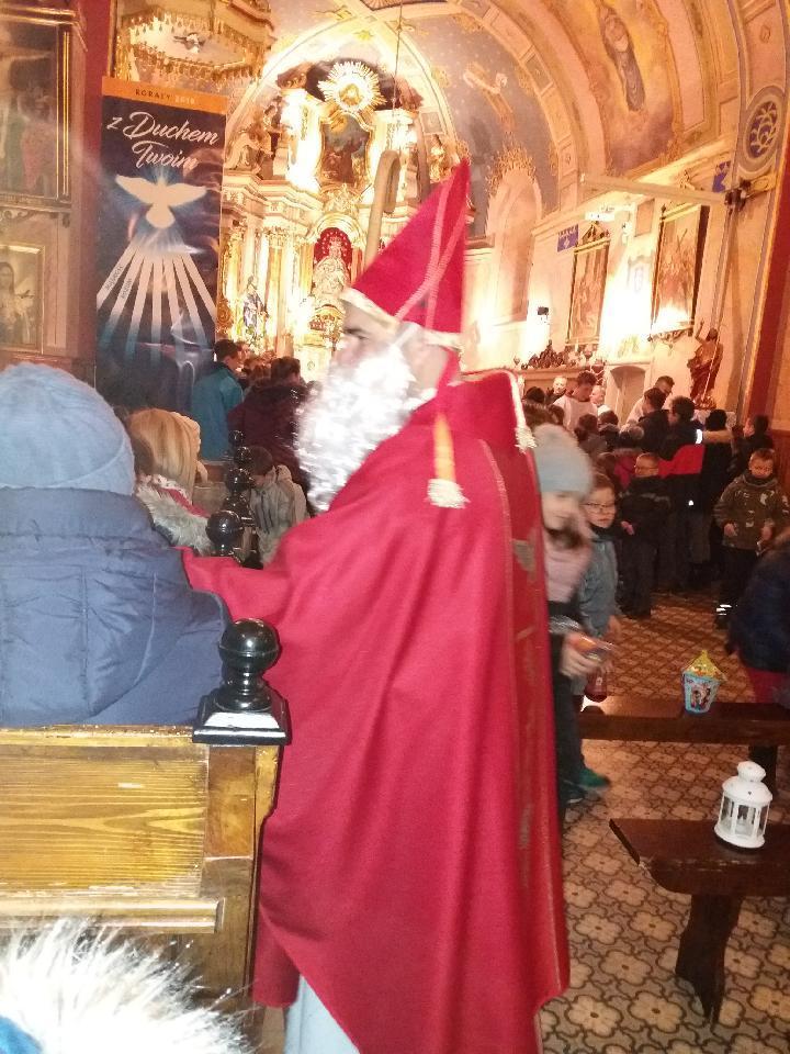 Podarunki od Świętego Mikołaja na Mszy św. roratniej :)