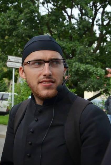 Wywiad z nowym wikarym – ks. Marcinem Samkiem.